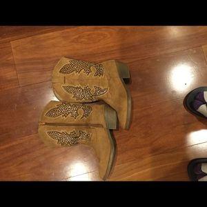 Justice Shoes - Justice boots size 3  young girls